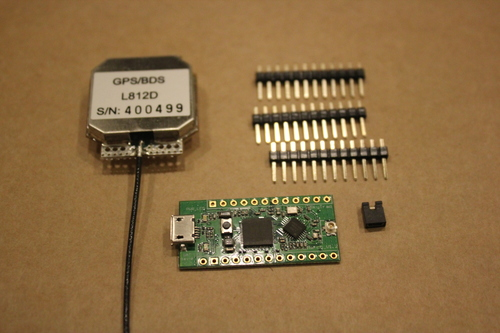Navspark unboxing: board, antenna, pins